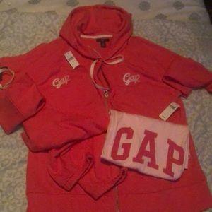 2 piece Gap jumpsuit with T-shirt - XL